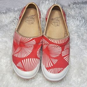 DANSKO VEGAN RED AND WHITE CANVAS CLOGS SIZE 37